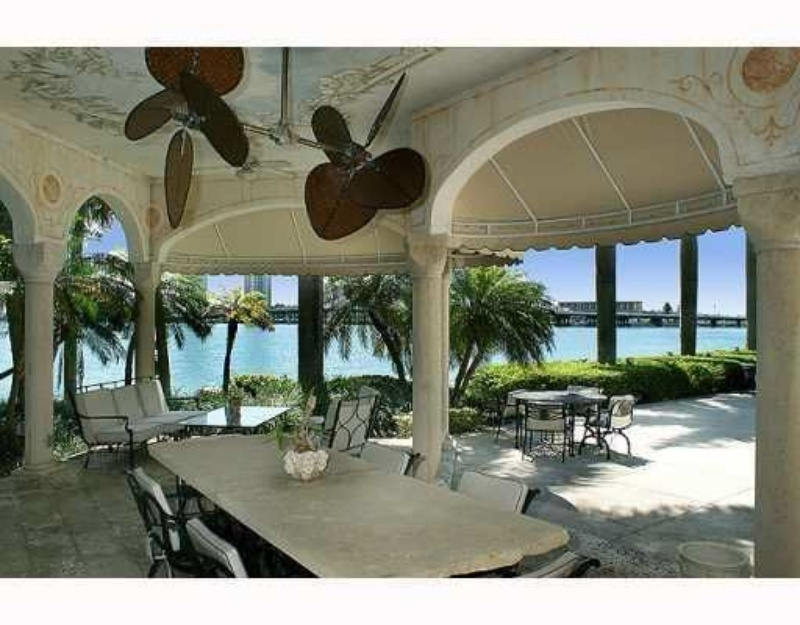 Miami 39 s star island real estate for sale for Star island miami houses